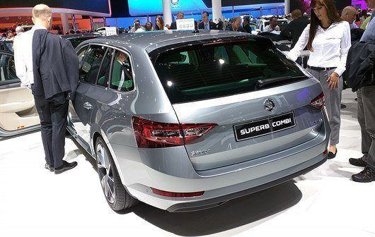 Skoda Superb Greenline (1)
