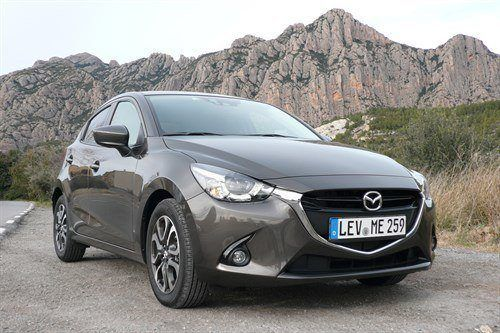 Mazda 2 2015 T F34 Mountains (1)