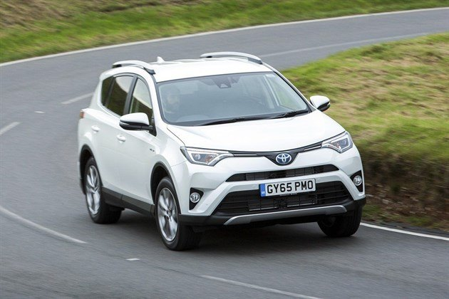 Toyota RAV4 Hybrid 2016 Road Test (9)