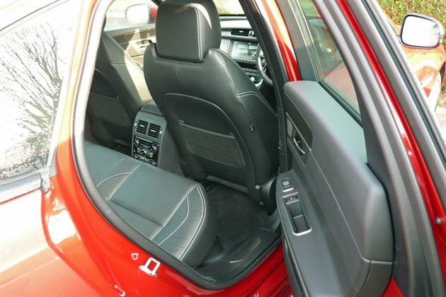 Jaguar XF 2.0d AWD Rear Seat