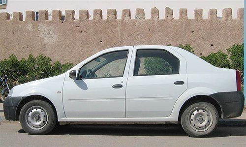 Dacia Logan Side Morocco 700