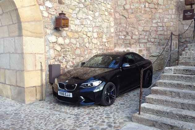 BMW M2 Parador Siguenza Entrance