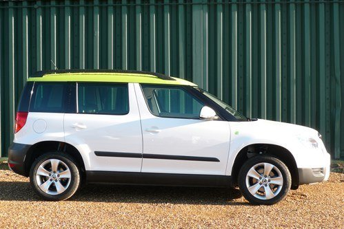 Skoda Yeti Green Top Side