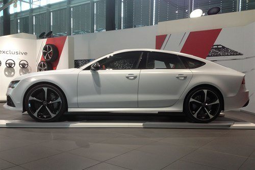 Audi RS7 Side Showroom