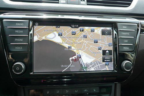 Skoda Superb 2015 L&K Satnav Screen