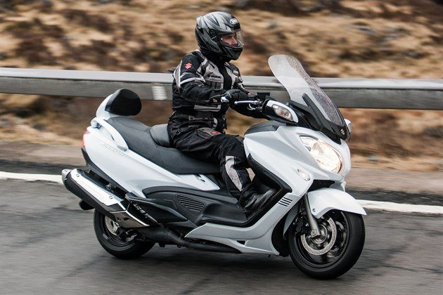 review suzuki burgman 650 executive 2016 road tests. Black Bedroom Furniture Sets. Home Design Ideas