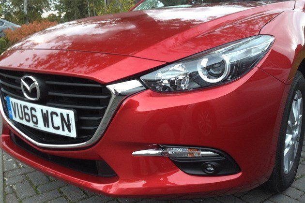 Mazda 3 2016 Front Light Detail