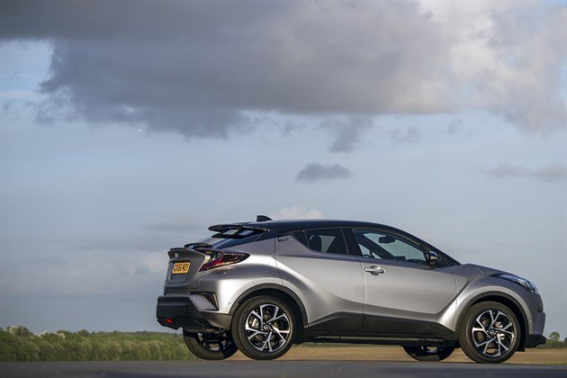 Toyota CHR Side Static Clouds