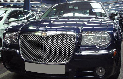 Chry 300C Bentley Grille Retouched