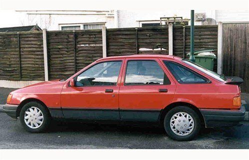 Ford Sierra 5-dr Red Side 700