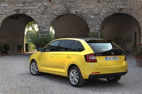 Skoda Rapid Spaceback R34 Yellow (1)