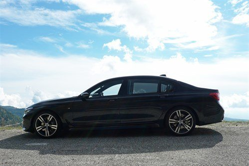 BMW 730Ld 2016 Side Mountains No Rail