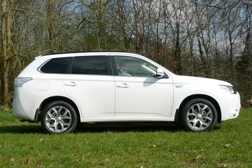 Mitsubishi Outlander PHEV Side