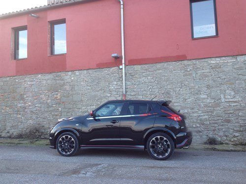Nissan Juke Nismo Black Side