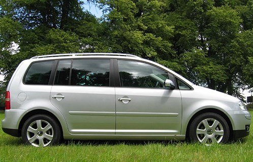 VW Touran DSG Side 700