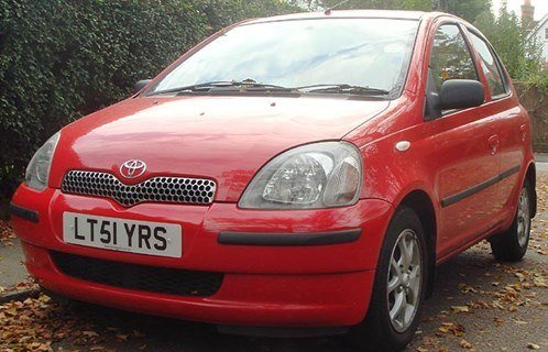Toy Yaris 51 Reg 700