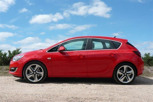Vauxhall Astra 1.6CDTI Side