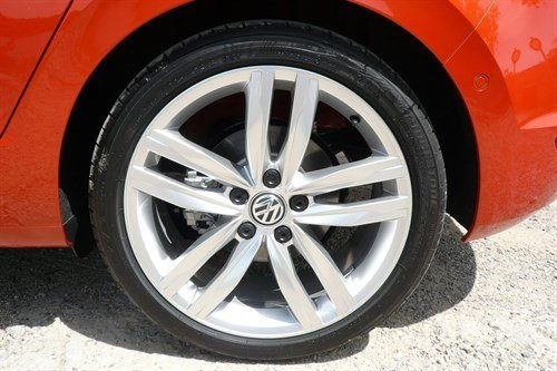 VW Golf SV 18 Inch Wheel