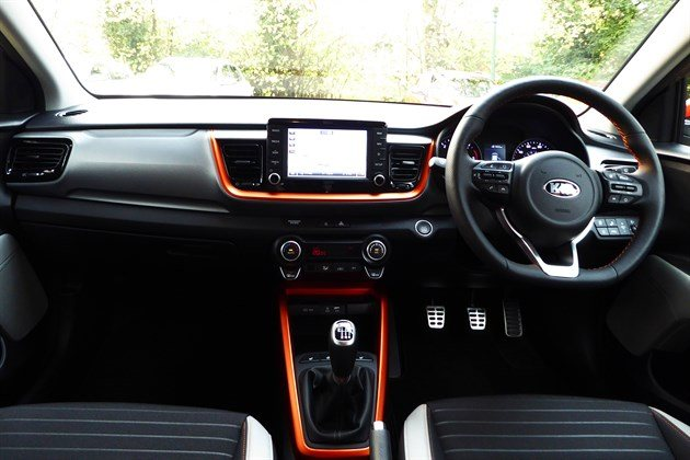 KIA Stonic Orange Top Dash
