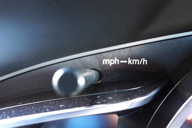 Mazda CX3 2017 Mph Kmh Button