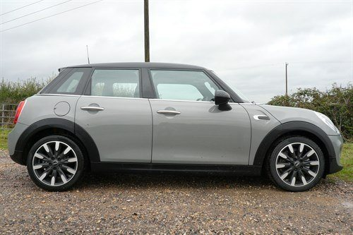 MINI 5 Door Cooper D Side