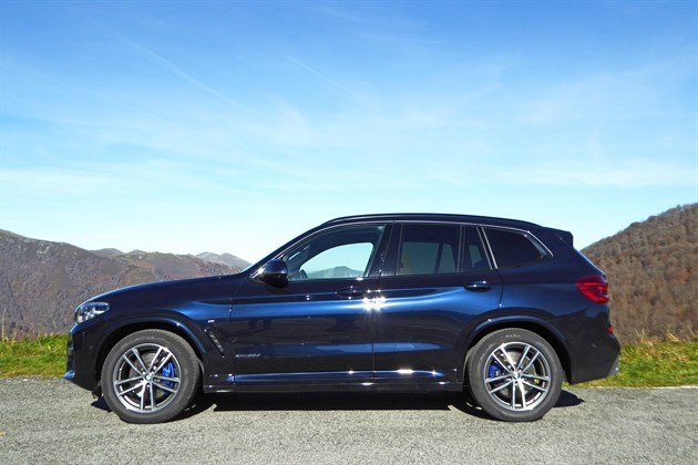 BMW X3 G01 2018 Side Mountains