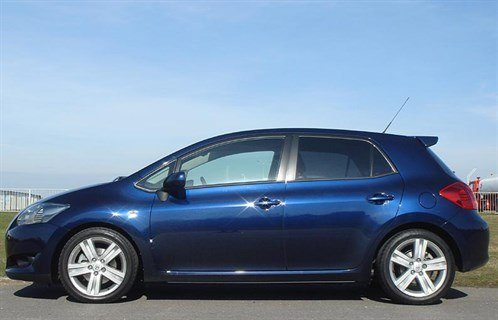 Toy Auris SR Side 700