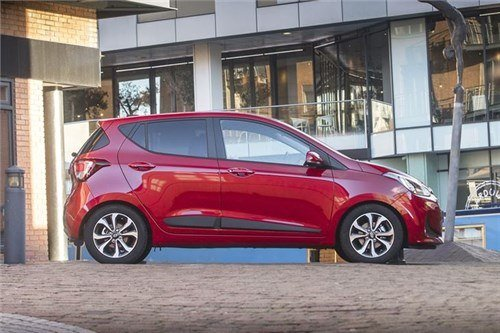 Hyundai I 10 2016 Red Side