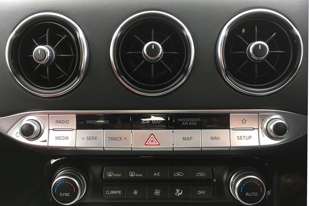 KIA Stinger 2018 Knobs And Buttons