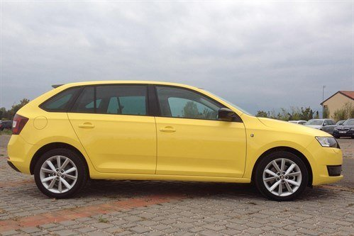 Skoda Rapid Spaceback Side Yellow