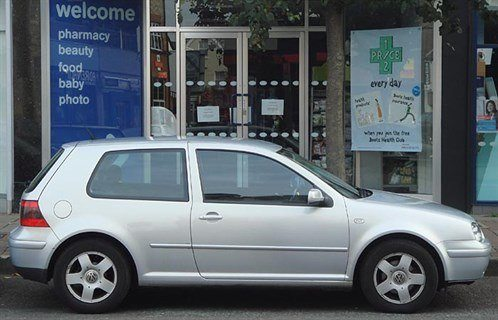 VW Golf IV Side 700