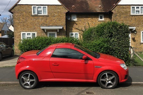 Vauxhall Tigra 2009 Side Red