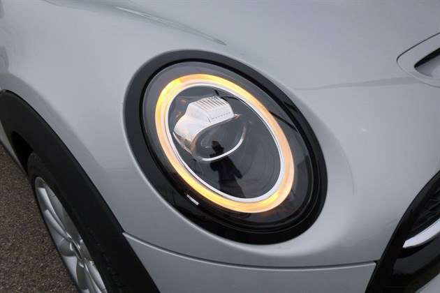 MINI 2018 Front LED Indicator (1)