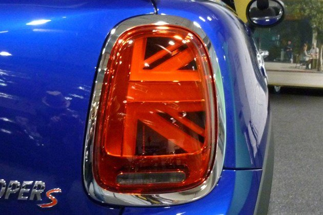 MINI 2018 Union Jack Rear Light (1)