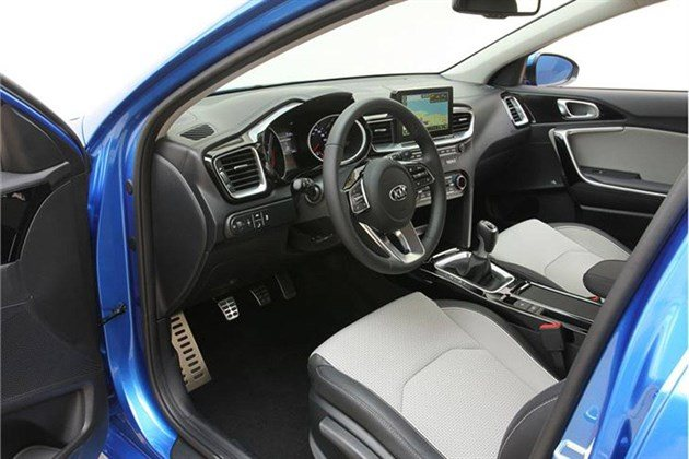 KIA Ceed 2018 Blue Cockpit