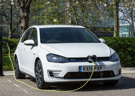 The UK Government scraps plug-in auto  grant for hybrids
