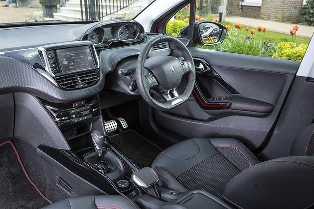 Peugeot 2008 2016 EAT6 Gearshift Cockpit