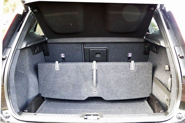 Volvo XC40 T3 2018 Load Divider 2