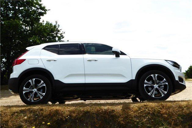 Volvo _XC40_2018_side _low