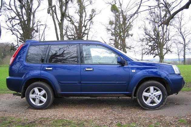 Nissan X Trail 2003 Side