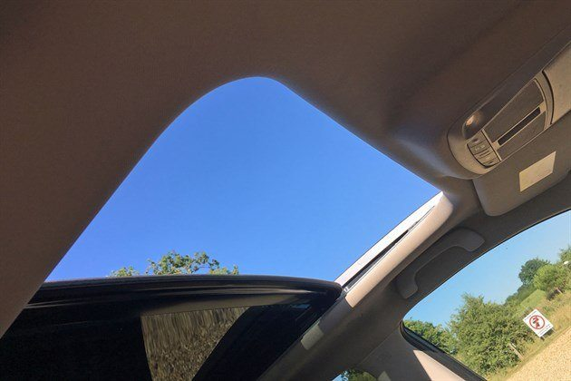 Renault Koleos LT Sunroof Copy (1)