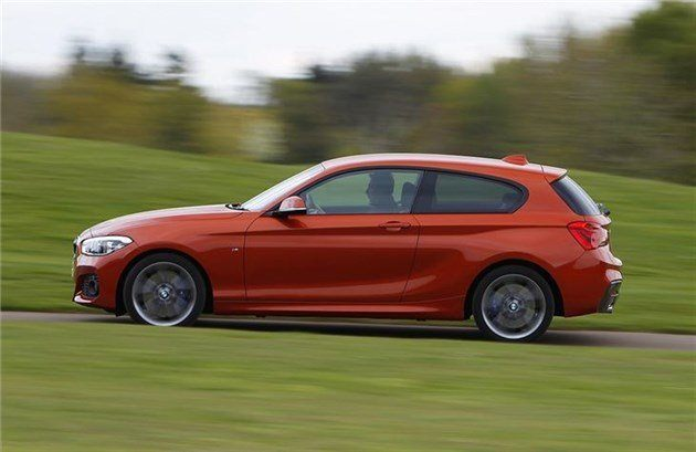 BMW 140i 3 Door Side 2015