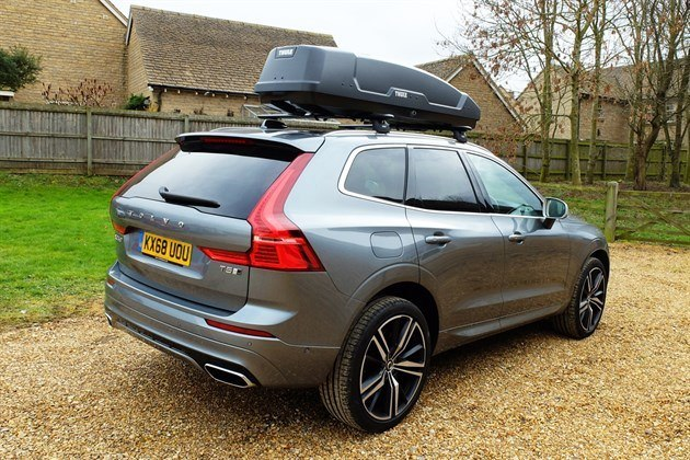 Volvo XC60 With Thule Roofbox (1) (1)