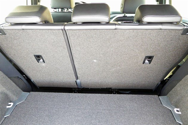 VW T-Cross 2019 Load Rear Seat Forward 2