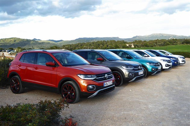 VW T-Cross 2019 F34 Parked Row