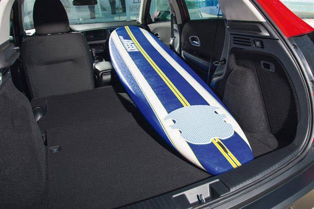 Honda HRV 2015 Trunk Surfboard 2
