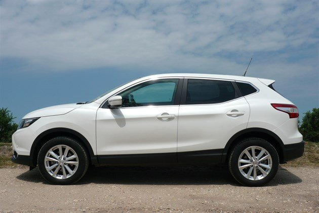 Nissan Qashqai 2014 T Side Close