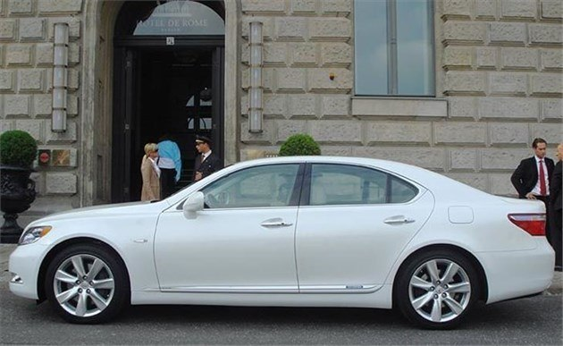 Lexus LS600h Side White