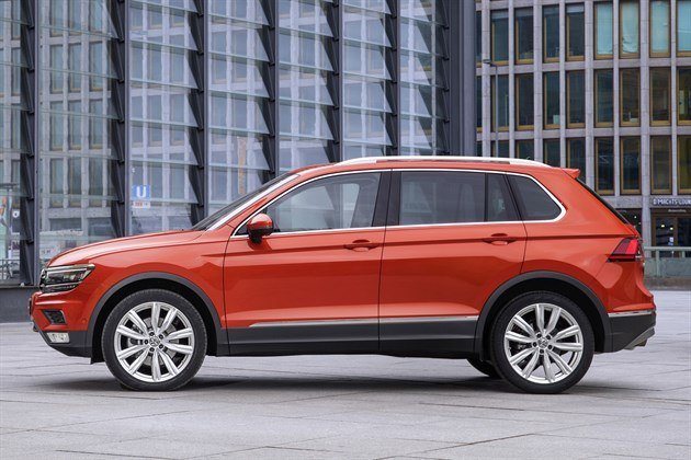 VW Tiguan 2016 Side (1)