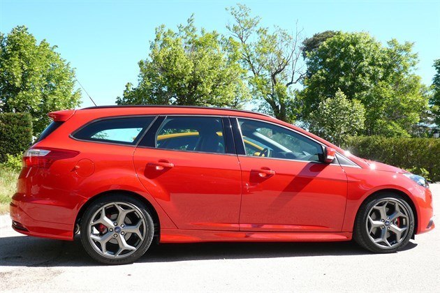 Ford Focus III ST 2012 Estate Side (1)